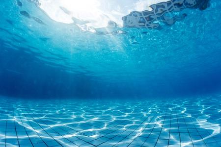 Underwater shot of the swimming pool Foto de archivo