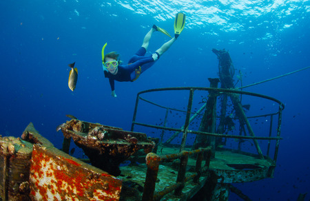 submerge: Diver