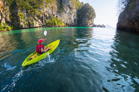 Woman with the kayak Stockfoto