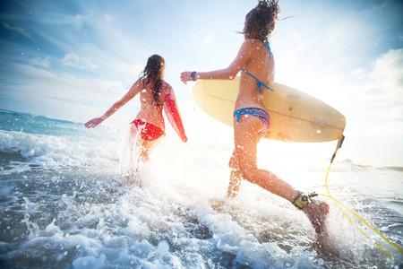 Surfers Banque d'images