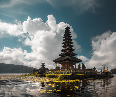 danu: Hindu temple Ulun Danu Bratan on the lake of Bratan. Bali, Indonesia