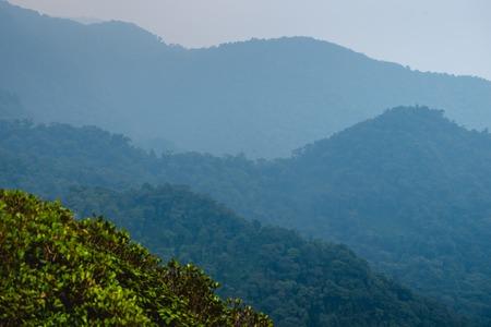 코스타리카에서 녹색 산 풍경