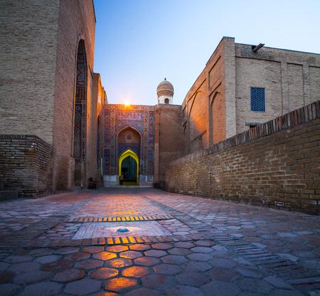 Oud complex van gebouwen van Shakh i Zinda, Oezbekistan