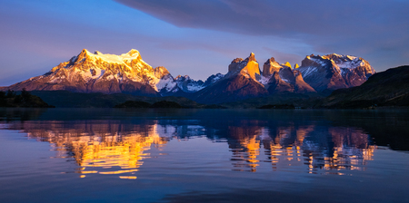 Torres del Paine National Park during sunrise, Patagonia, Chile 写真素材 - 102209988