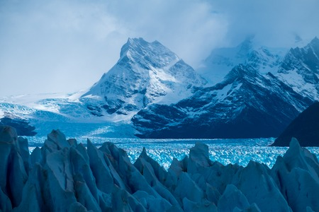 Perito Moreno Glacier and mountains of the Southern Patagonian Ice Field, Argentina 스톡 콘텐츠 - 104946518