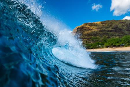 Blue Hawaiian wave of the surf spot named Tracks located on the West Coast of Oahu, Hawaii, USA Banco de Imagens