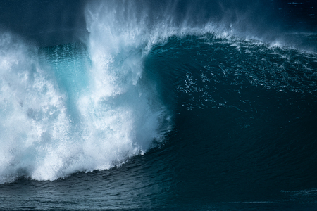 Powerfull wave of the Banzai Pipeline surf spot located on the North Shore of Oahu, Hawaii