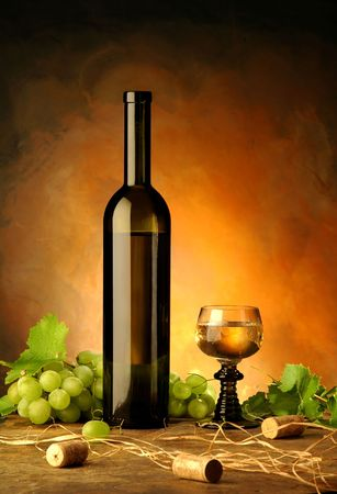 grunge bottle: Still life with wine bottle, glass and grapes