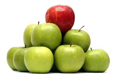 Dominación conceptos - rojo verde manzana entre las manzanas  Foto de archivo - 2709113