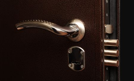 lock out: metal door lock with pull out bolts