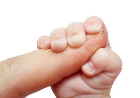 adultbaby: Baby Vater Finger auf wei� isoliert halten