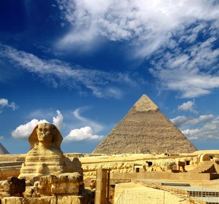 berühmten alten Ägypten Cheops-Pyramide und die Sphinx in Gizeh Lizenzfreie Bilder