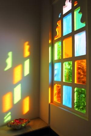 decoratif: windiow avec le verre multicolore dans le Rajasthan en Inde Banque d'images