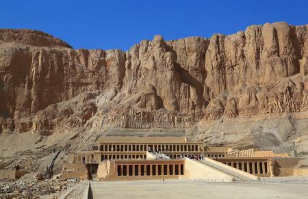 horus: famoso antiguo templo de Hatshepsut en Egipto de Luxor