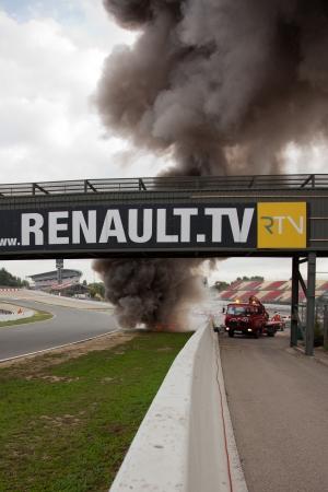 explosion engine: World Series by Renault Circuit de Catalunya  Barcelona-Spain  19 - 20 October 2013 Team  GRAVITY CHAROUZ Driver  Jakub KNOLL Burning car accident
