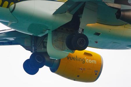 cel: Vueling Airbus 320. Festa al cel (Sky Partito Air show). Mataro, Spain.September, 28, 2014