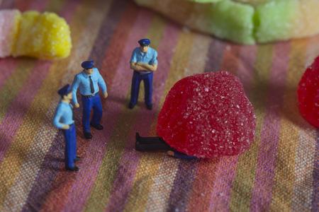 goodies: Mini police and crime scene with goodies