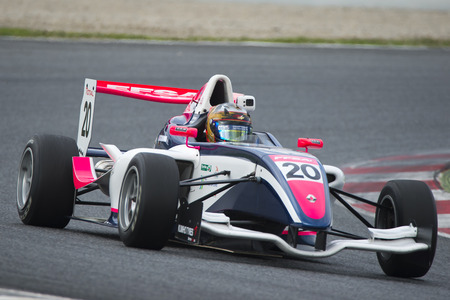 Pilote Yifei Ye. Championnat de France F4 au Circuit de Barcelone. Montmelo, Espagne. 6 novembre 2016