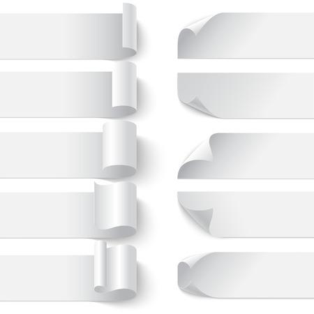 Set gekrulde blanco papier banners met schaduwen op een witte achtergrond. RGB EPS 10 vector illustratie. Kan op elke achtergrond worden geplaatst