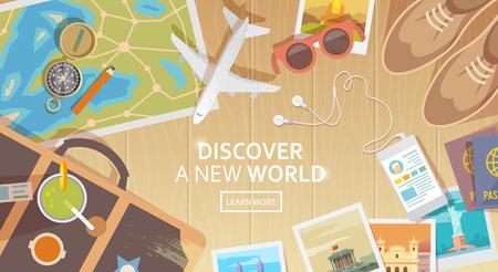 여행: 여행, 휴가, 모험의 주제에 평면 벡터 웹 배너입니다. 여행 준비. 현대 여행자의 복장. 나무 배경에 개체입니다. 평면도. 새로운 세계를 발견 할 수 있습니다.
