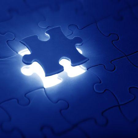 missing piece: rompecabezas con la pieza faltante