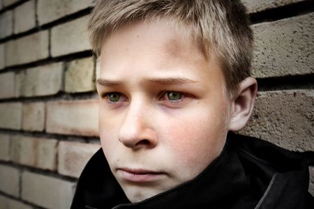 chłopięctwo: zaburzyłyby chłopca pochylony w stosunku do ściany