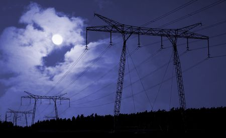 electricity supply: Electricity supply cables in countryside at night