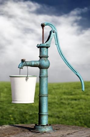 Pompe à eau Banque d'images - 9560796