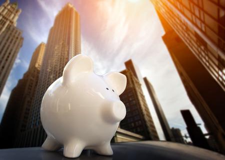 Piggybank in Financial District Banque d'images