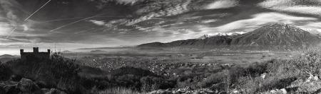 dora: el valle del Dora Baltea el castillo de Montalto Dora y el pa�s del mismo nombre