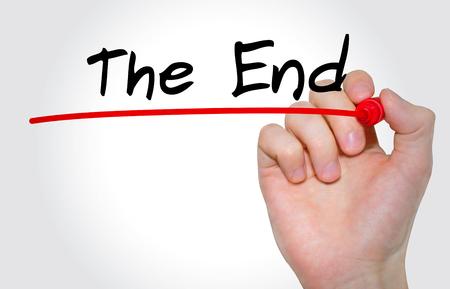 Ręczne pisanie napis The End z markerem, koncepcja Zdjęcie Seryjne