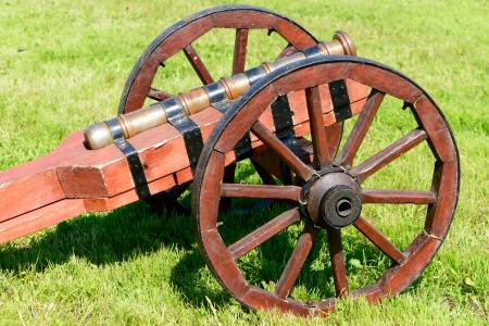 wheel barrel: Ancient cannon on wheels