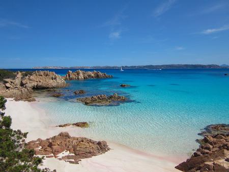 Spiaggia Rosa (Pink Beach) is een strand op het eiland van Budelli voor de kust od Sardinië, Italië Stockfoto