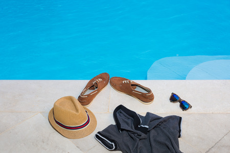 Entkleiden für den Pool Standard-Bild - 60618282