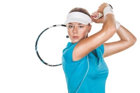 격리 된 흰색 배경에 라켓과 아름 다운 여자 테니스 선수. 테니스 광고.