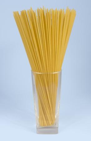 ガラスのパスタ。スパゲッティ、マカロニ、パスタ