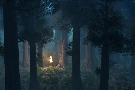 donna ha perso nel cuore della foresta