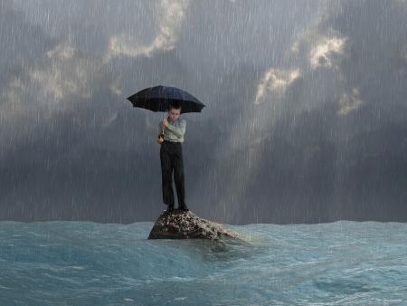 katastrophe: Mann mit einem Regenschirm in der Flut