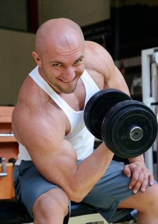bodybuilder in gym Stock Photo - 19942900