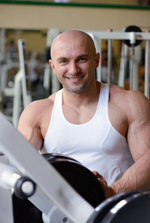 bodybuilder in gym Stock Photo - 19942902