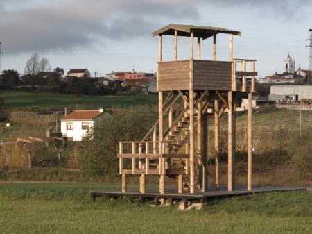 birdwatching: Saltpans at Salreu near Aveiro, Portugal, Birdwatching destination. Tower hide and visitor centre