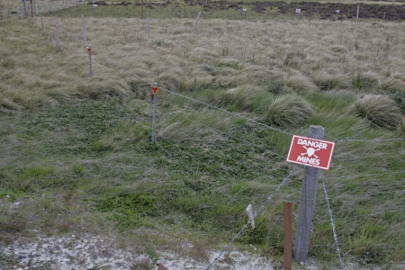 falklands war: Landmines sign, danger minefield in the Falklands