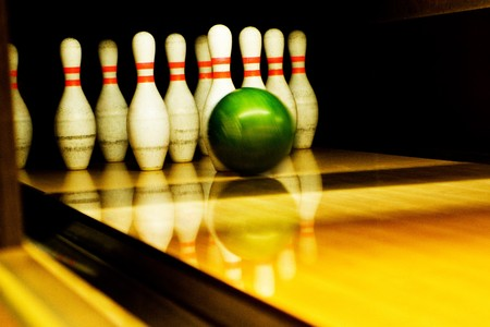 Standing pins and bowl photo