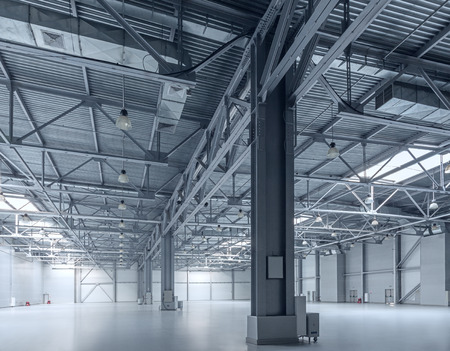 empty warehouse: Interior of empty warehouse