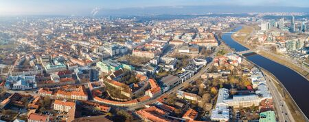 Aerial panoramic view of Vilnius old town, business district and river Neris, Lithuania 免版税图像