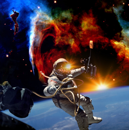 Astronaut flies in space. The photo taken from NASA Banque d'images
