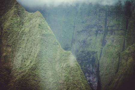 Kauai è la quarta isola più grande delle Hawaii ed è talvolta chiamata Garden Island, che è una descrizione del tutto accurata Archivio Fotografico