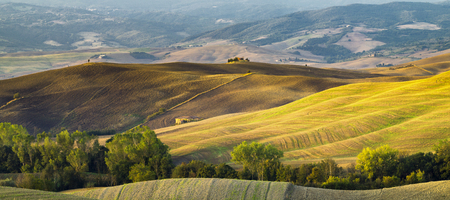 cappella: the famous Tuscan landscape at sunrise Foto de archivo