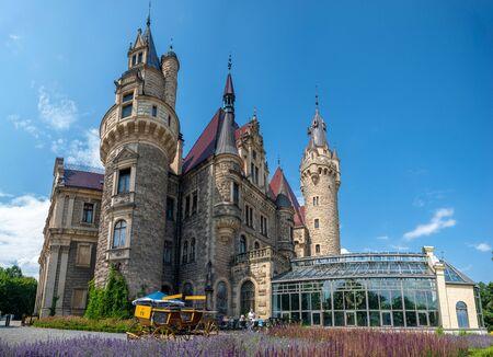 castle in Moszna, near Opole, Silesia, Poland Standard-Bild - 128139881
