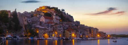 Sibenik, North Dalmatia, Croatia-panorama of the old town Standard-Bild